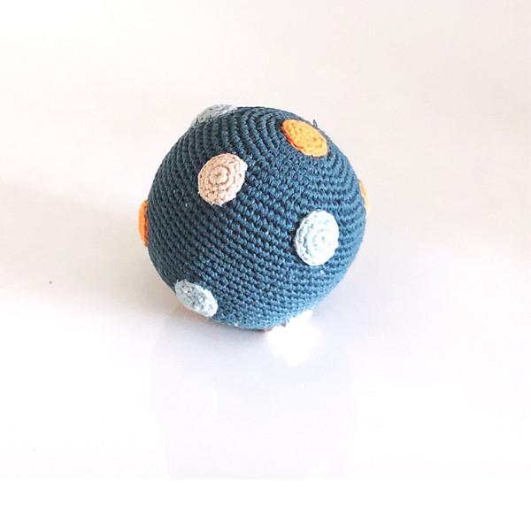 Rassel Ball Blau / gehäkelt